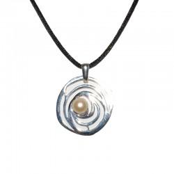 Colgante de plataColgante de plata de la colección de joyas artesanales Yocari para la joyería online PlataScarlata FE1662