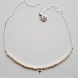 Colgante de plata y perlas con motivo cruz de la colección Primera Comunión de la joyería online PlataScarlata PSP52044